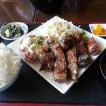 ジャムネシア 食堂 - ジャークチキン定食