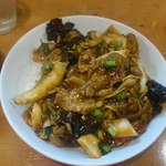 椿華亭 - スタミナ豚ホルモン丼