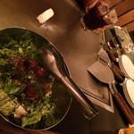 お好み焼きとお酒 じゃらん - おまかせコースのカマンベールチーズとサラダ