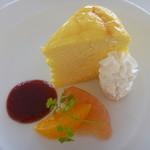 36867720 - スフレチーズと安曇野ラズベリーソース