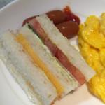 36869407 - 厚焼き玉子のサンドイッチ