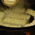 松龍軒 - 内観写真:焼き餃子ひとすじです