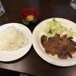 Oリーブ - ランチのステーキ