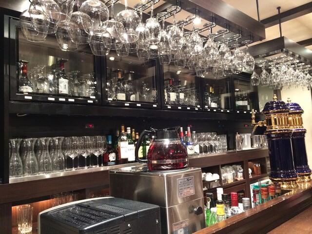 ビストロ ワイン カフェ ハース - カウンター席