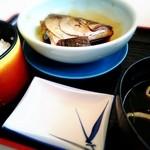 秀丸 - 磯桶定食の煮魚とごはん