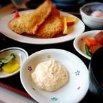 秀丸 - 昔ながらの大海老フライ定食(3匹)1,580円