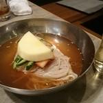 焼肉 かける - 冷麺。細麺だがしっかりムチムチ麺
