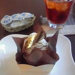 パティスリー ケセラセラ - 2009年初訪問時、イートインスペースで美味しいケーキを頂ける至福の時間