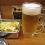 串かつ でんがな - ビールとサービスのキャベツ