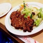 コション - 豚ロースガーリック焼定食☆ ガーリックが香ばしくて、これも美味しい♪