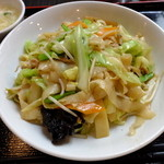 紅燈籠 - 料理写真:刀削炒麺