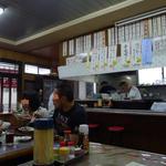 浜奈食堂 - 地元のお客さんが大勢いらっしゃいます。