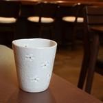 あわじしま海鮮ちらし桜の木 - お茶(桜の湯のみ)
