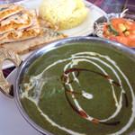 インド ダイニング カフェ マター - サグチキンカレー  ズーム