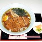 ラーメン亭 - とんかつラーメンの「とんかつ」はもちろんオーダーカット! 揚げたてです! とんかつ定食もありますよ!