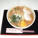 ラーメン亭 - 味噌は独自の調合により飽きのこないコク深い仕上がりで、太ちぢれ麺との相性がたまりません!