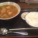 大衆食堂正広 - カレーラーメン (750円) + ライス (250円)
