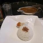 ロビーラウンジ 「インプレイス」 - 店内満席の為ロビーで食べました。美味しかった♪
