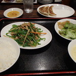 珉珉 - チンジャオロースセット(写っている餃子はセットに含まれません)