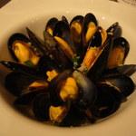 ワインと愛情料理 しょこら - フランス、モンサンミッシェル産ムール貝の白ワイン煮