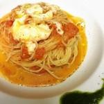 居酒屋てのひら - フレッシュトマトとバジルとモッツァレラチーズのスパゲッティ  ¥1,180