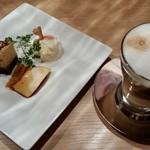 Kavaropattsuitariana - ランチデザートとコーヒー