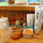 サンキチ - 調味料と無料サービスの大根キムチ