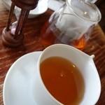 ル・プチ・プランス - (2015/3月)ダージリン紅茶はポットだが700円