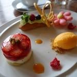 ル・プチ・プランス - (2015/3月)箱根スイーツコレクション2015参加レアチーズケーキと苺のゼリー