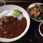 cafeうえまる - ランチ(カレーライス¥980サラダ、スープ、デザート付き)