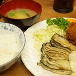 小田保 - カキミックス定食(1640円)