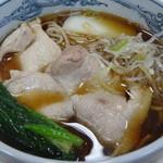 甚兵衛そば - 肉蕎麦(630円)