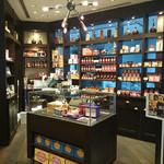 MAX BRENNER CHOCOLATE BAR - 店内(チョコレートなど購入できるコーナー)