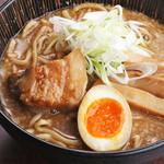 麺匠 慶次  - 料理写真:魚貝豚骨ラーメン