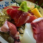 初島 - 海鮮丼