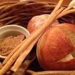 チェリー - お通しのパン