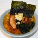 東峰飯店 - 料理写真:昔ながらの醤油ラーメン {焼豚は、やわらかくなるまでじっくり煮込みメンマは もちろん手作り}