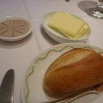 ラ・クープ - 自家製焼き立てパン&バター&鴨のリエット