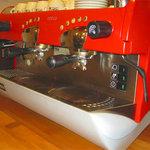 カフェコルソマルケ38 - ピニンファリーナデザインのマシンで美味しいエスプレッソをつくります!