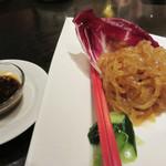 青冥 堂島本店 - 特級クラゲの冷菜。厚みがあるプリプリ食感です。