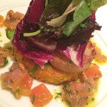 36955080 - 帆立貝のローストとブリオッシュのパン「パン・ペルヂュ」サフラン風味 アンティボワーズソース