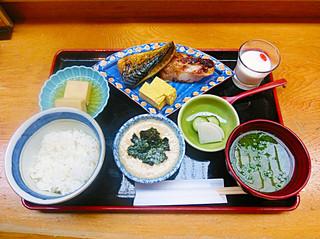 銀座 熊さわ - 麦とろ御飯と焼き魚 1200円!