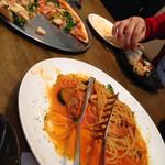 トラットリア アリエッタ - ペアセットのパスタとピザ。パスタは三種から選べます。
