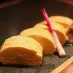 博多水炊きと炭火焼き鳥 美神鶏 - ●たっぷり出汁巻き玉子720円       だし汁たっぷりの出し巻きでした。