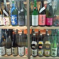 スギノタマ - 定番酒10種類と季節で変わる地酒10種類以上 常備20種類以上の品ぞろえ