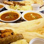 ジャイヒンド - 料理写真:机の上いっぱい