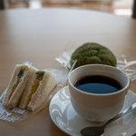 カフェ・みれっと - 料理写真:コーヒー フルーツサンドイッチ
