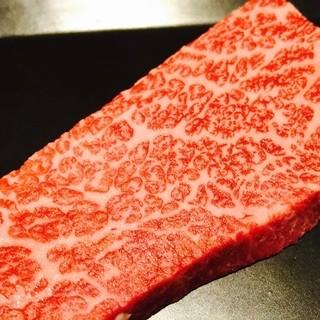 深夜でもガッツリ!特選黒毛和牛ステーキ各種ご用意してます!