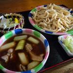 桶川市べに花ふるさと館 - あつもり肉ねぎ汁うどん+季節の天ぷら(アスパラ) 660円+110円