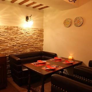プライベートな完全個室。接待や会食にもご利用頂いております。